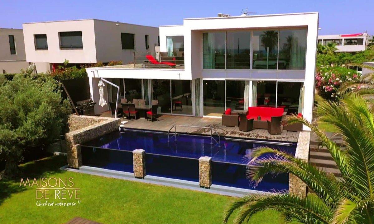 EXCLU - Visitez une villa cubique à la pointe de la technologie
