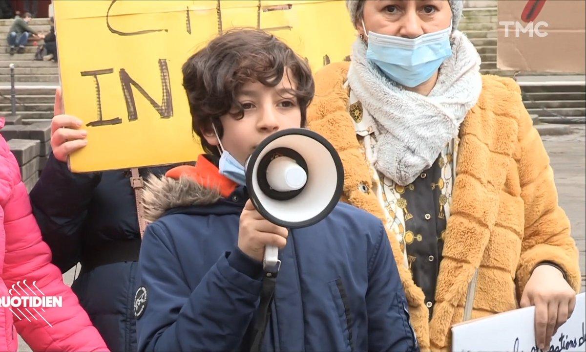 """A 10 ans, Ilian se bat pour faire reloger ses voisins, habitants de la cité """"Python-Duvernois"""", l'une des plus insalubres de Paris"""