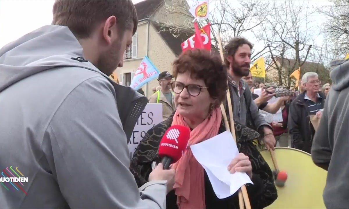 À Berd'huis, Emmanuel Macron tient ses opposants à distance