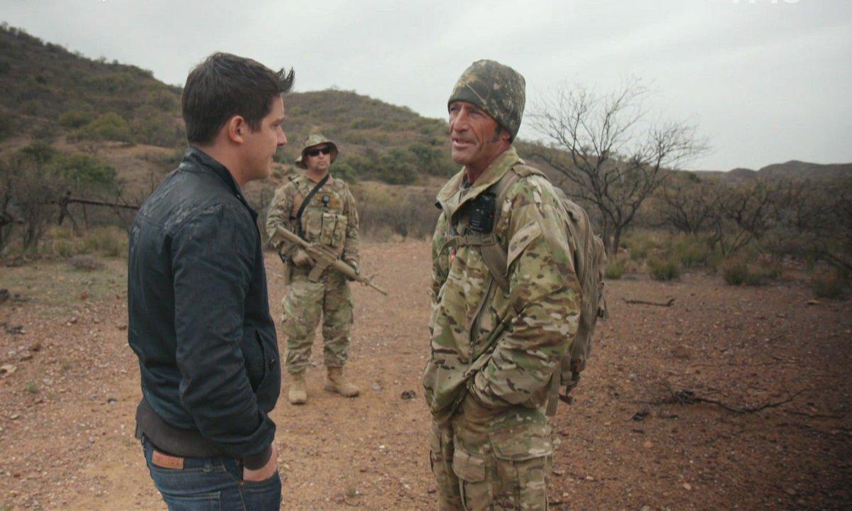 A la frontière avec le Mexique, des milices armées remplacent le mur promis par Donald Trump