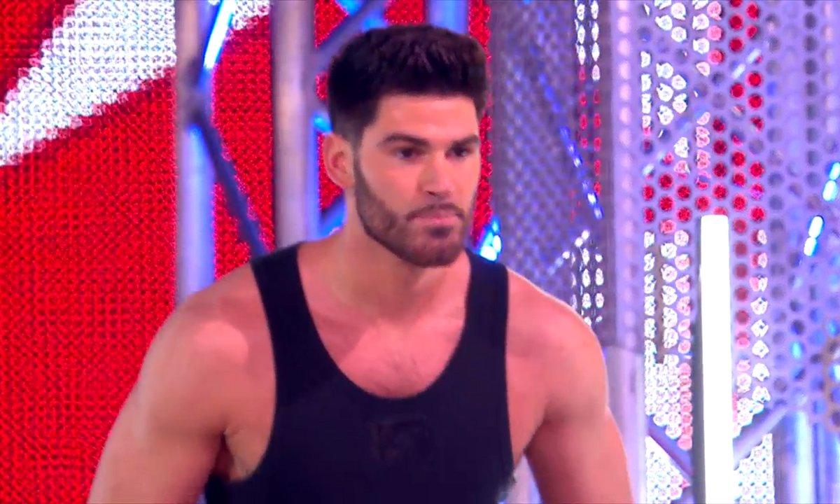 PAS VU À LA TV : Jordan Mouillerac (DALS) tente sa chance entre deux salsas !