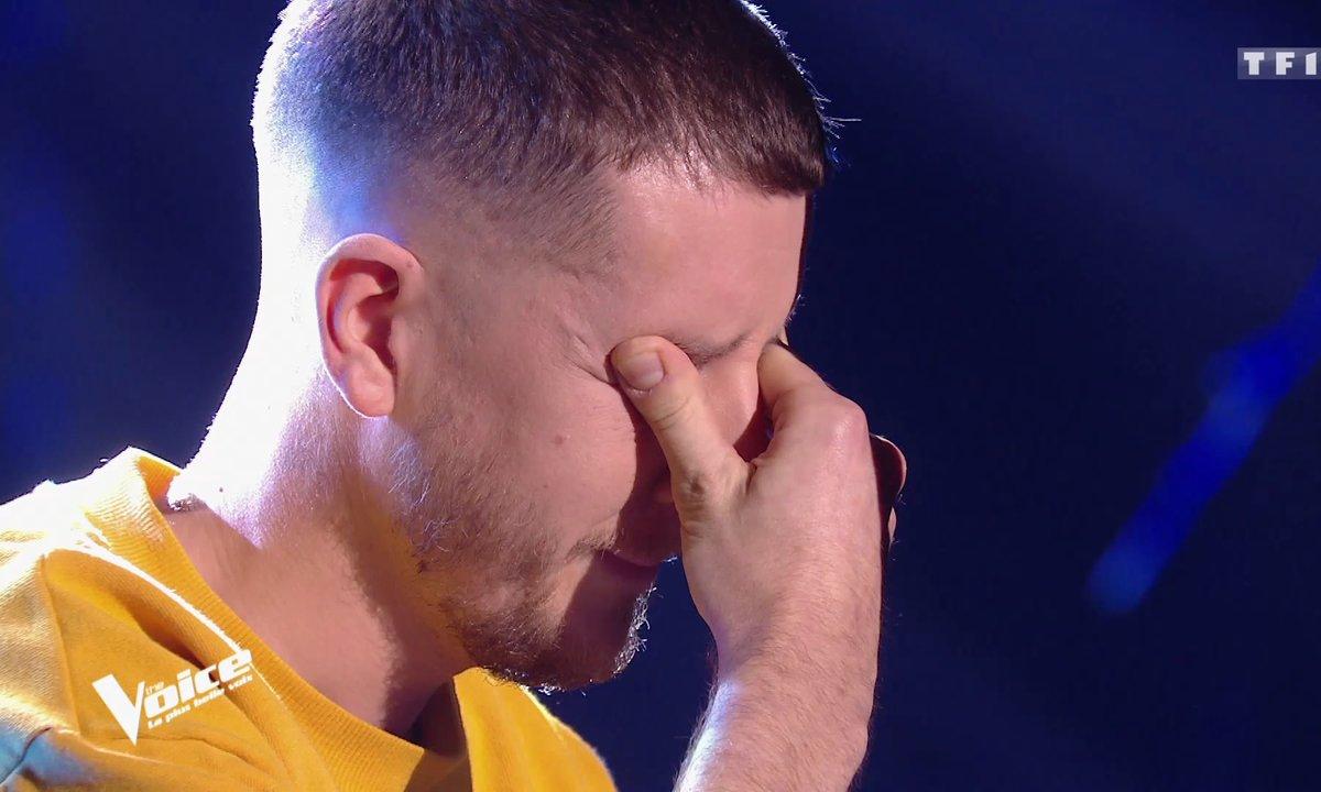 Alex Adam fond en larmes, sélectionné à la dernière minute