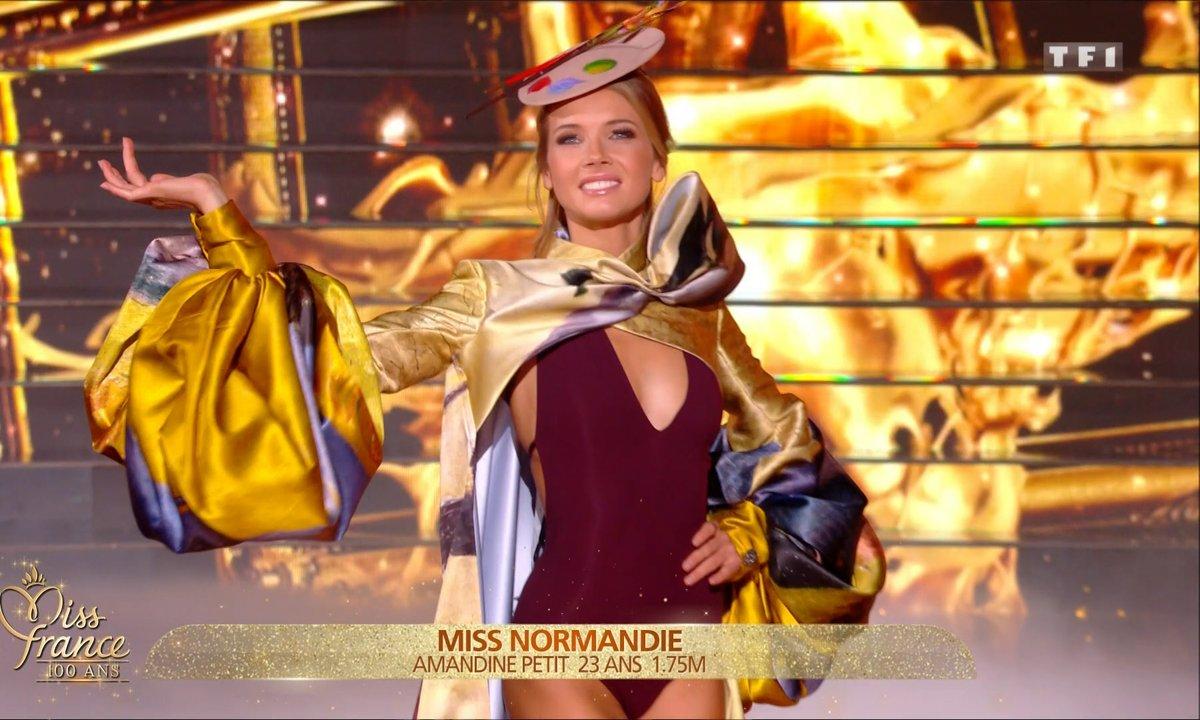 Amandine Petit, Miss France 2021 défile en bikini