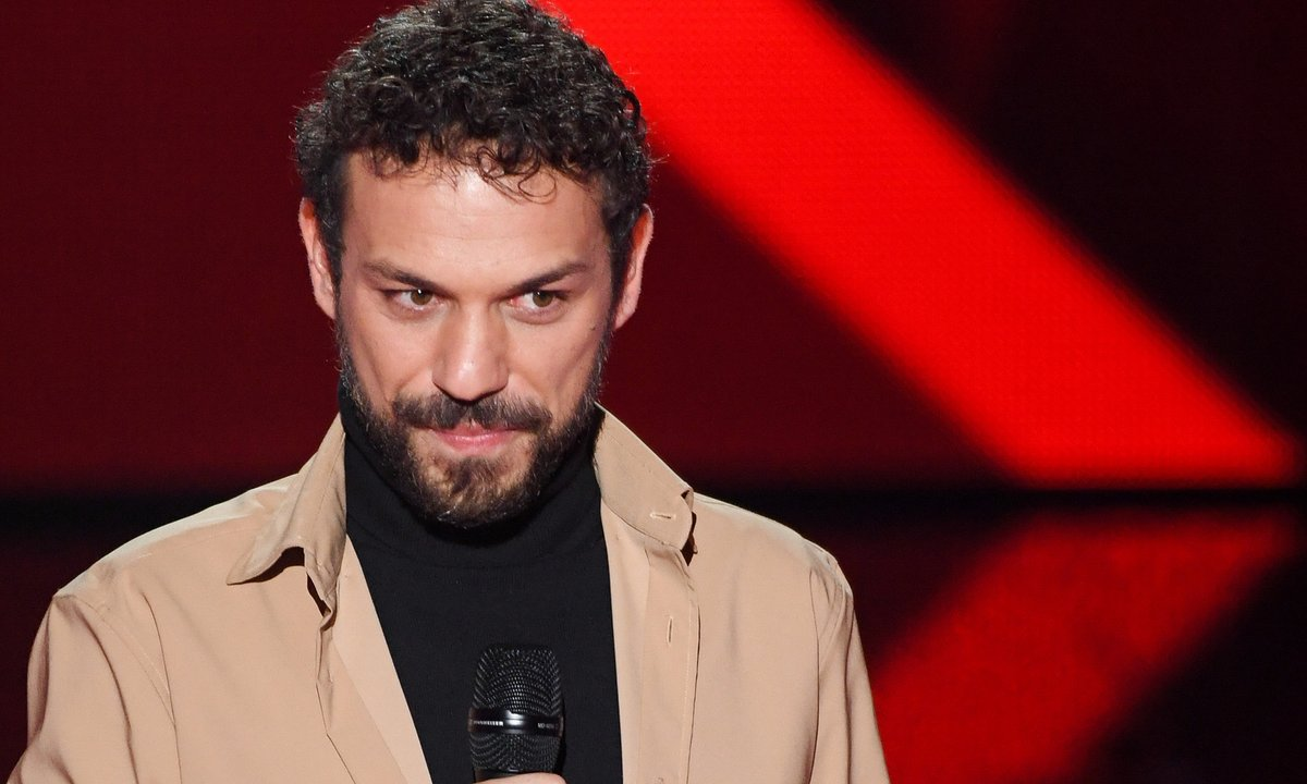 "The Voice 2021 - Angelo chante ""Les Paradis perdus"" de Christophe"