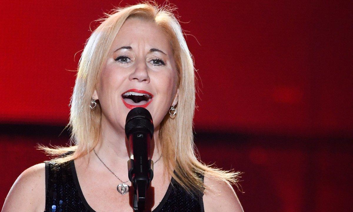 """The Voice 2021 - Anik chante """"All by myself"""" de Céline Dion"""
