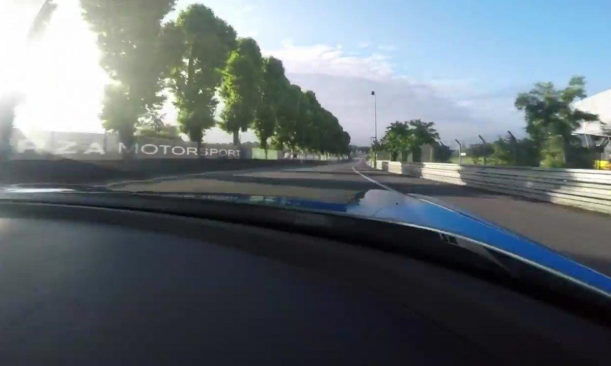 Un tour du circuit du Mans en Aston Martin Vulcan