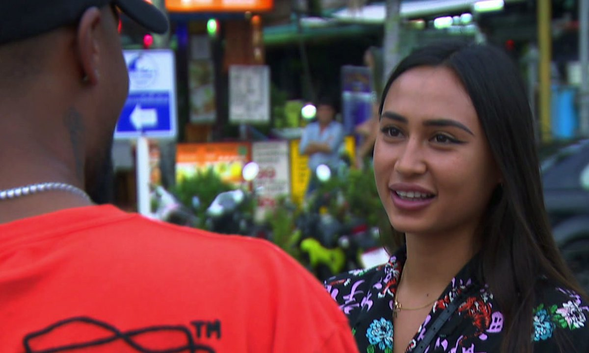 Astrid fait son arrivée dans l'épisode 06 de la JLC Family
