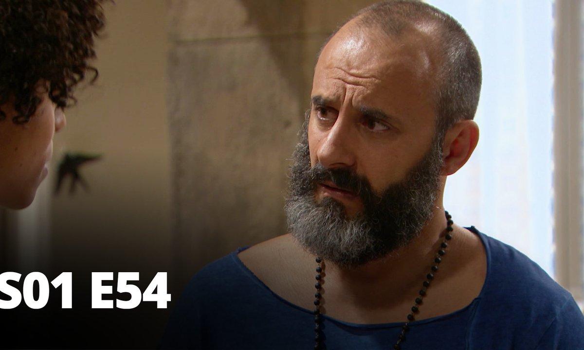 Au nom de l'amour - S01 E54