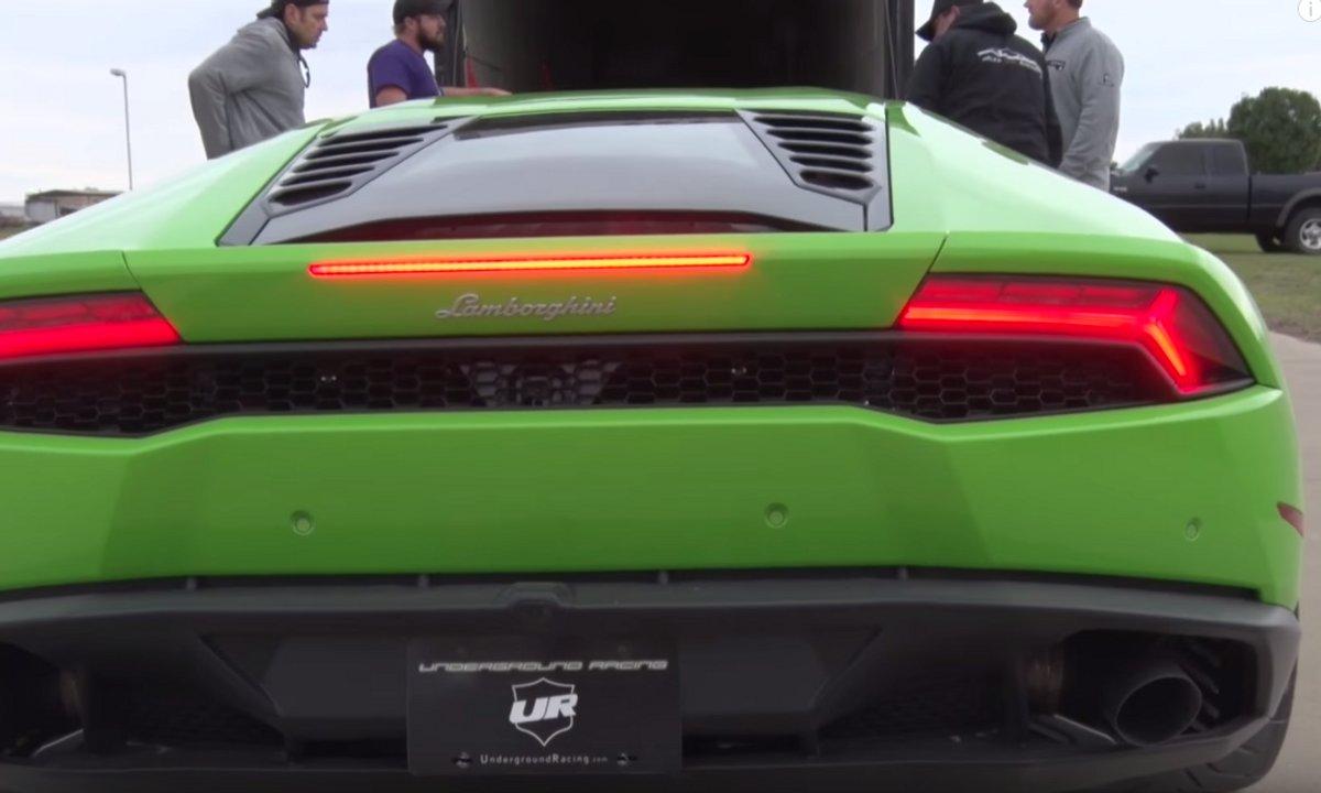Insolite : Une Lamborghini Huracan dépasse les 380 km/h sur 800 mètres !
