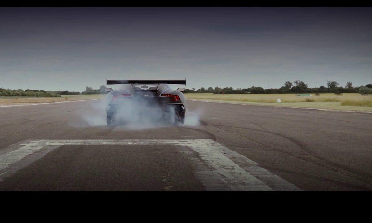 L'Aston Martin Vulcan en route pour le Festival de Goodwood