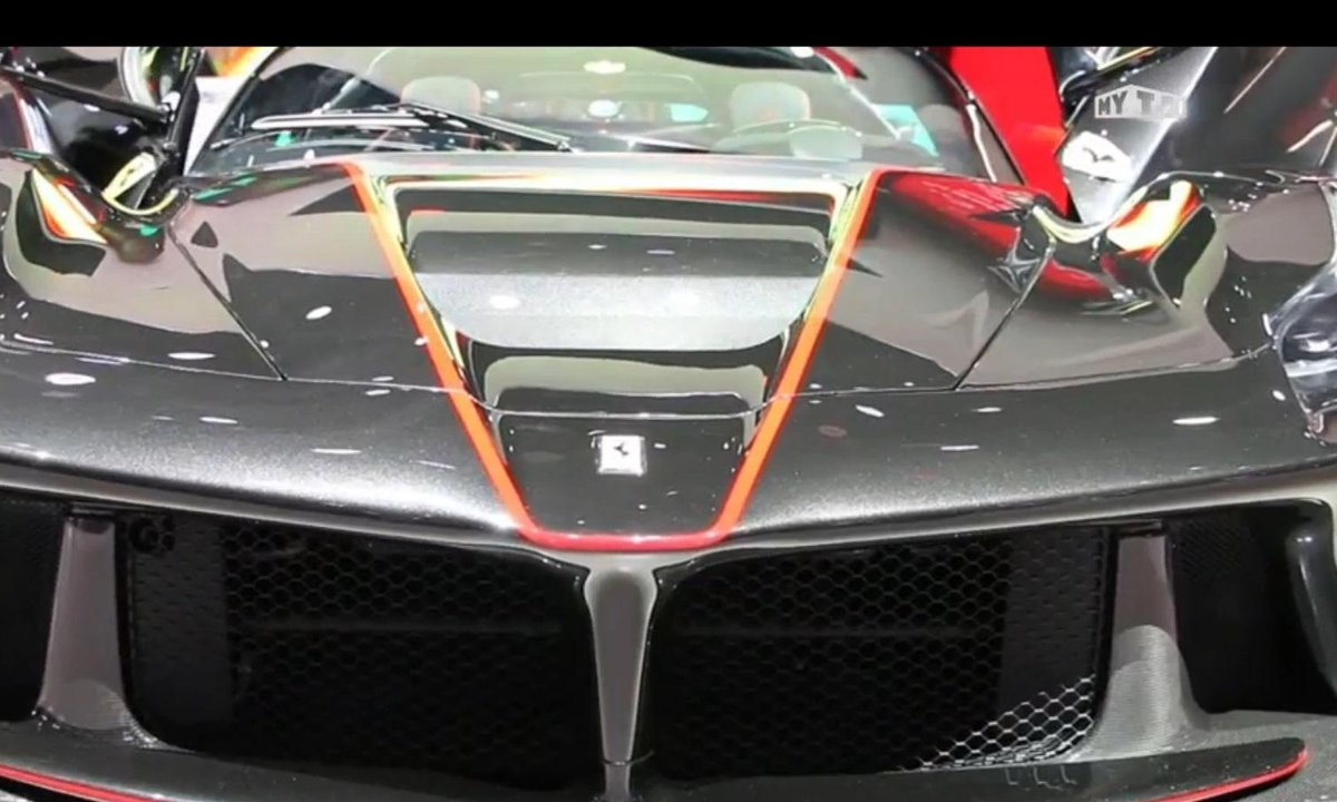 Mondial de l'Auto 2016 : Ferrari LaFerrari Aperta, 963 chevaux au vent