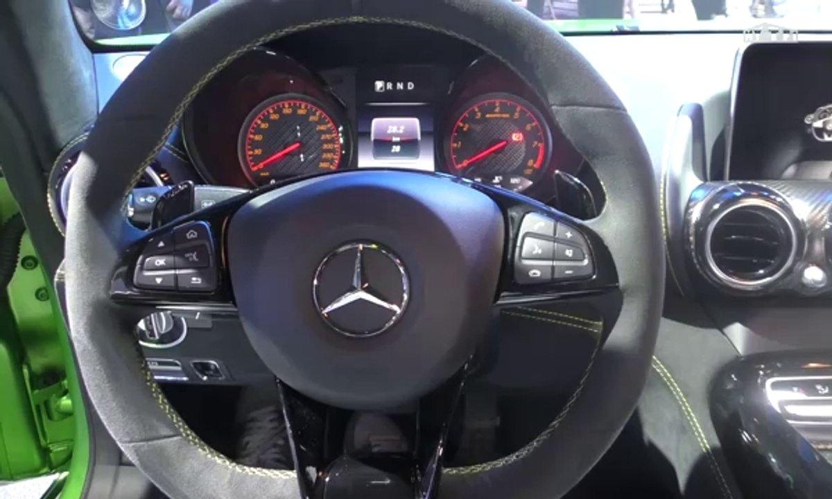 Mondial de l'Auto 2016 : Mercedes-AMG GT Roadster, ça arrache !