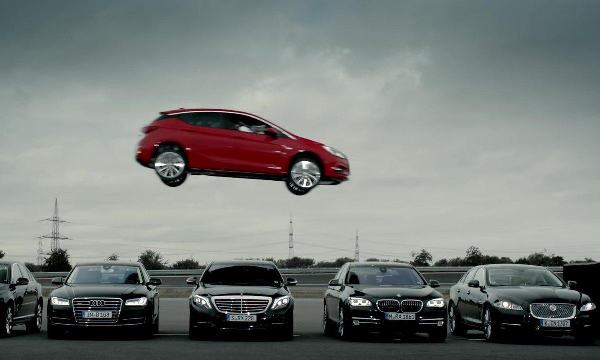 Insolite : La nouvelle Opel Astra 2015 s'envole !