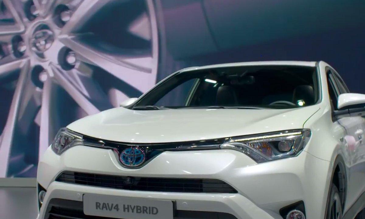 Présentation du Toyota Rav4 au Salon de Francfort 2015