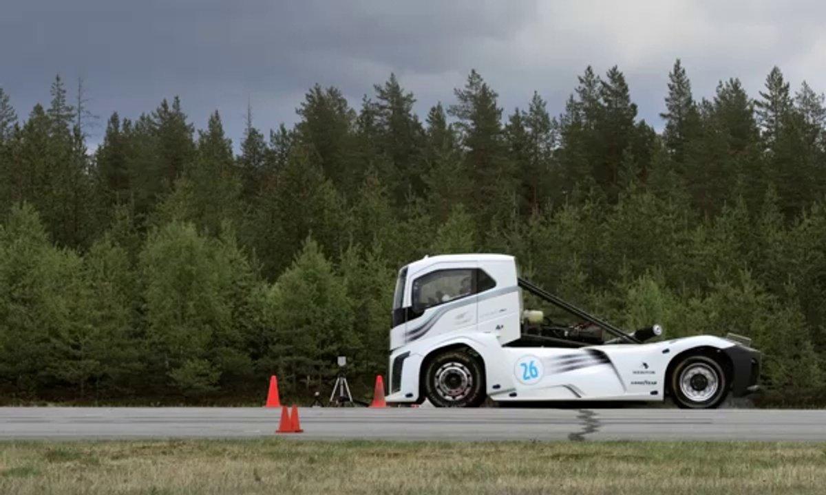 Le record de vitesse du camion le plus rapide du monde par Volvo en vidéo officielle
