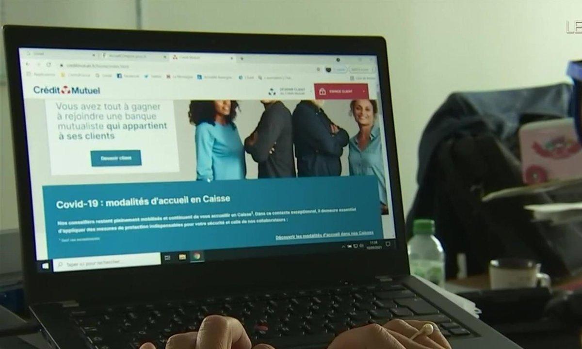 Banques : les seniors face au défi du numérique