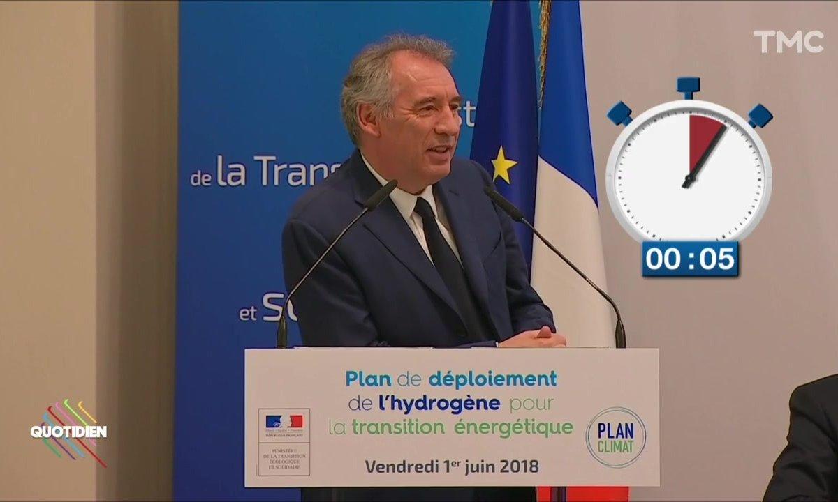 François Bayrou ou le pouvoir de ralentir le temps