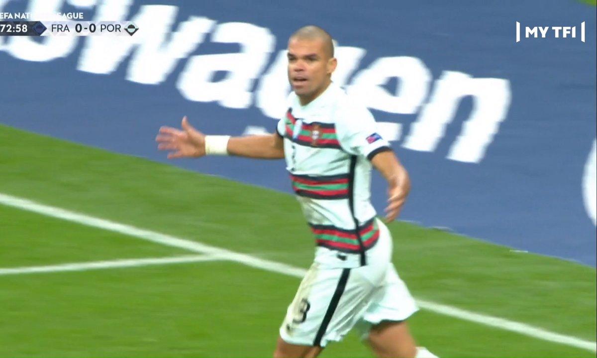 France - Portugal (0 - 0) : Voir le but de Pepe refusé en vidéo