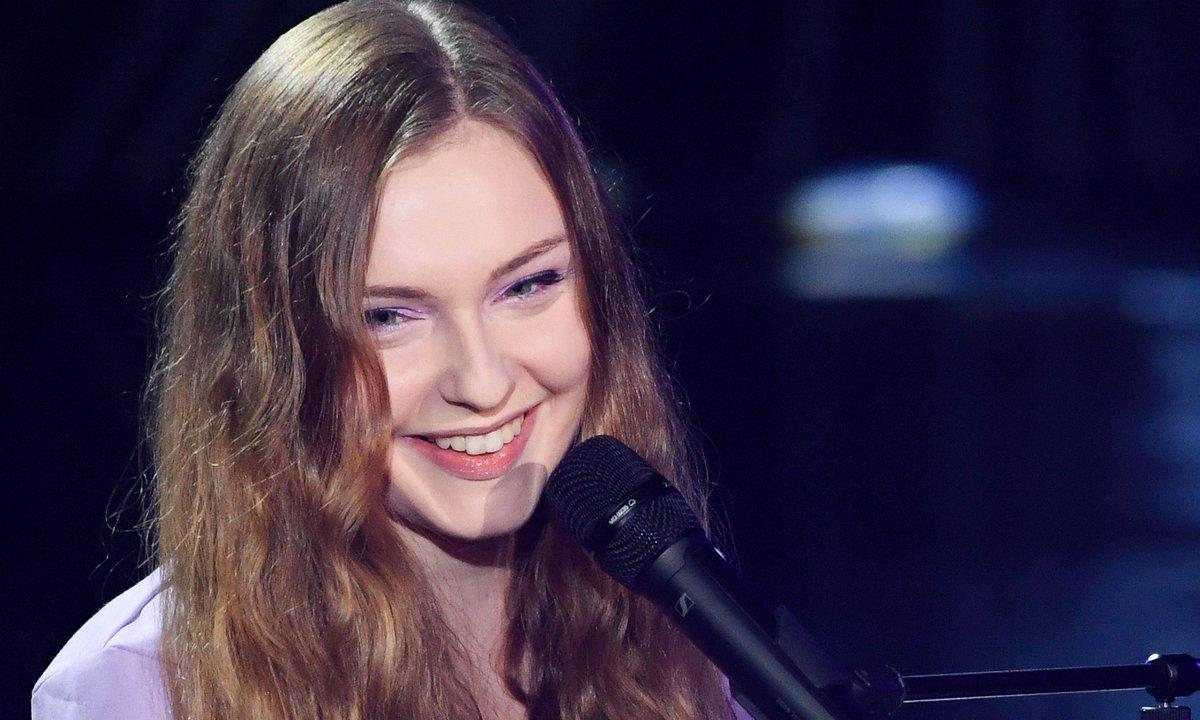 """The Voice 2021 - Camélione chante """"L'effet de masse"""" de Maëlle"""