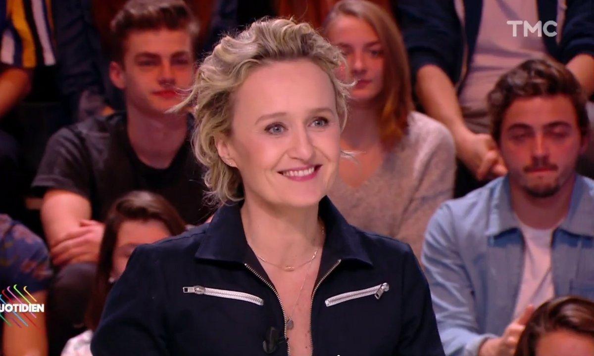 """Emmanuel Macron interviewé par 3 hommes : """"Ils n'ont même pas essayé de faire semblant"""", regrette Caroline Roux"""