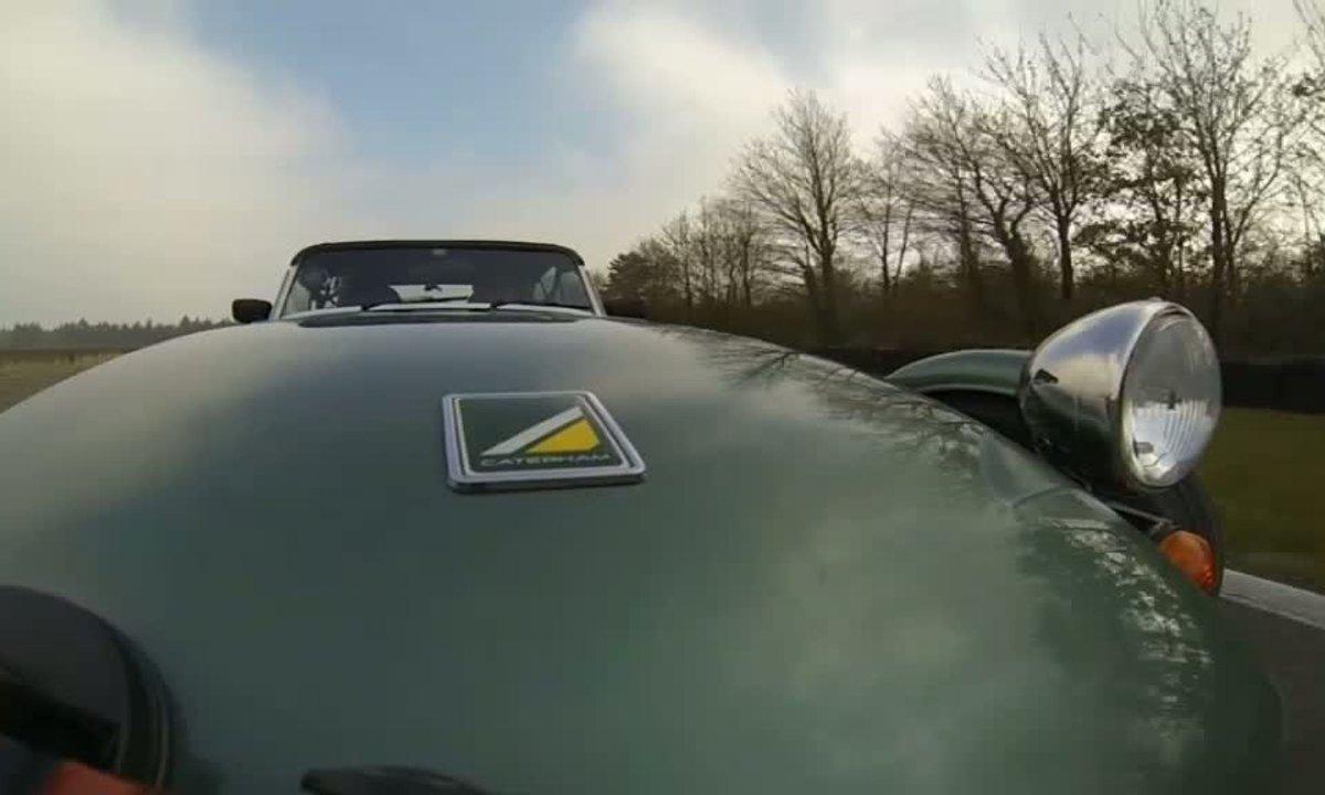 Bonus Web : Faites un tour de circuit avec la Caterham Seven 165