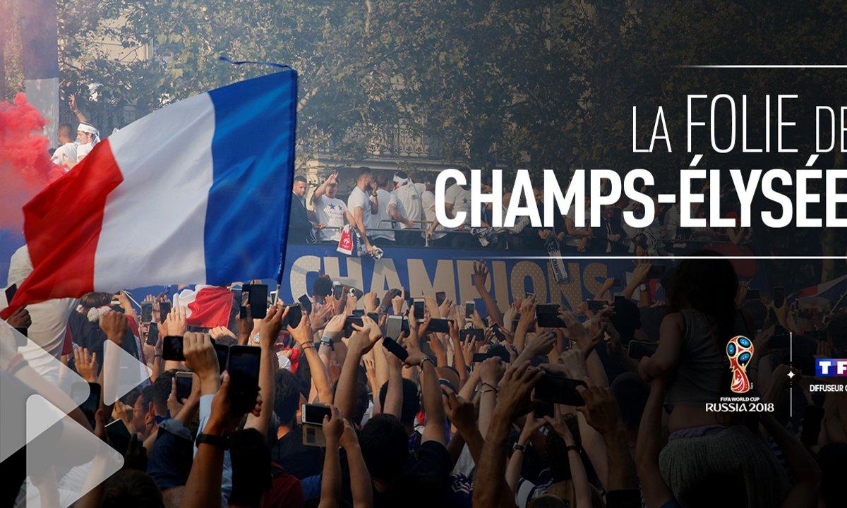 La traversée des Champs-Elysée par l'Equipe de France