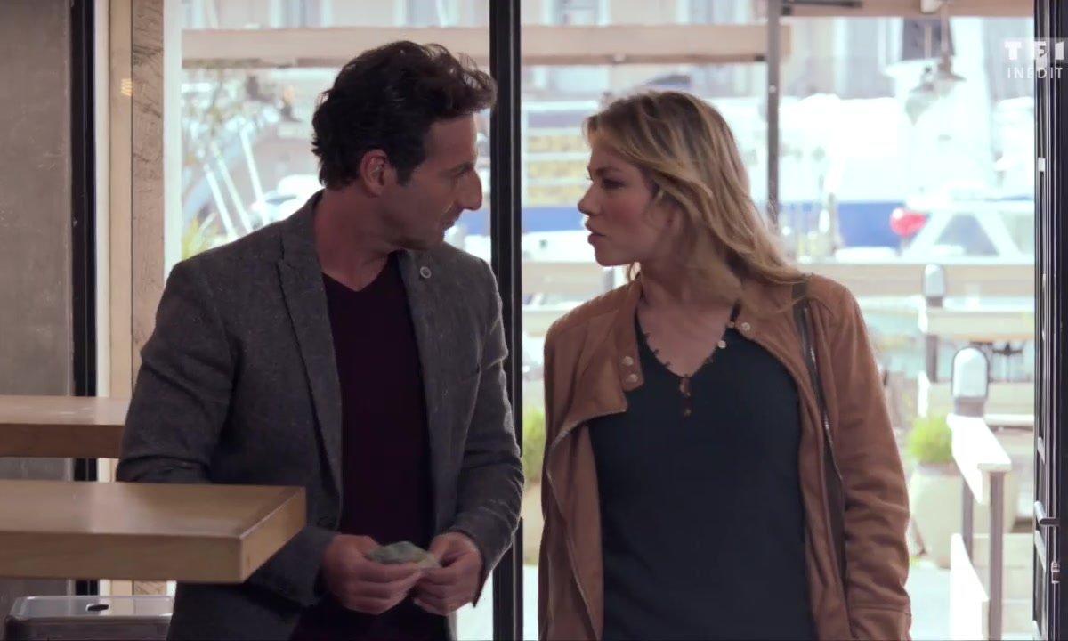 Chloé et Anna piègent Guy (épisode 216)
