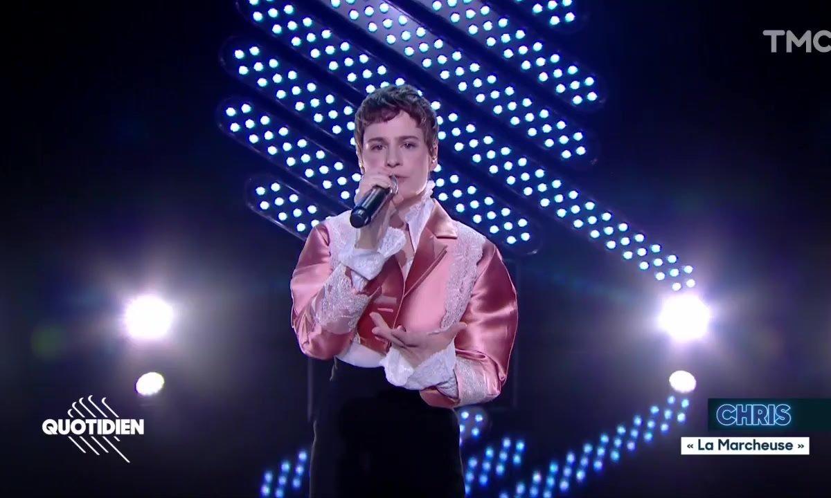 """Chris(tine and the Queens) : """"La marcheuse"""" en live pour Quotidien"""