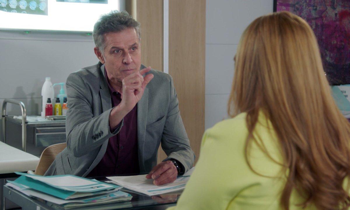 Christelle se fait passer un savon par Renaud (épisode 245)