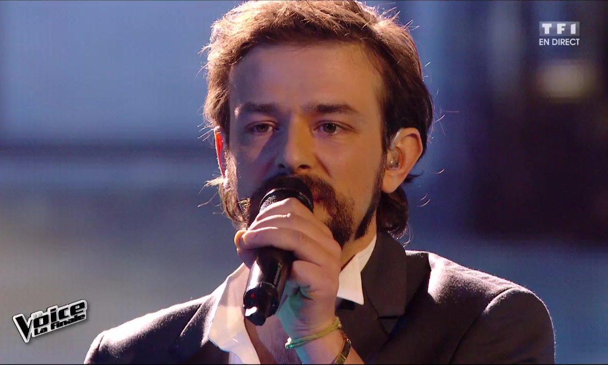 Clément Verzi reprend en direct « Un homme heureux » (William Sheller) pour la finale (Saison 05)