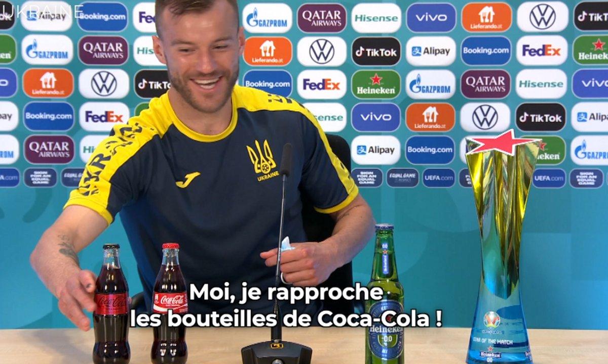 VIDEO - Il trolle Cristiano Ronaldo... en mettant en avant les bouteilles de Coca