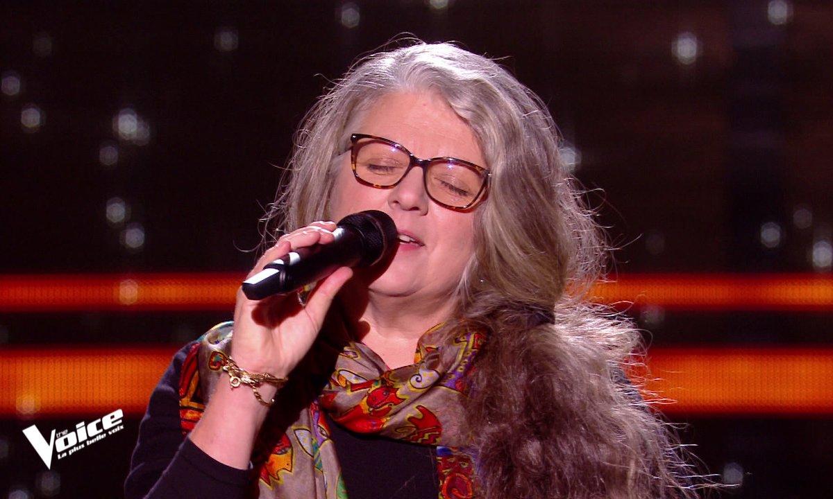 THE VOICE 2020 - Emue, Corinne oublie les paroles de sa chanson