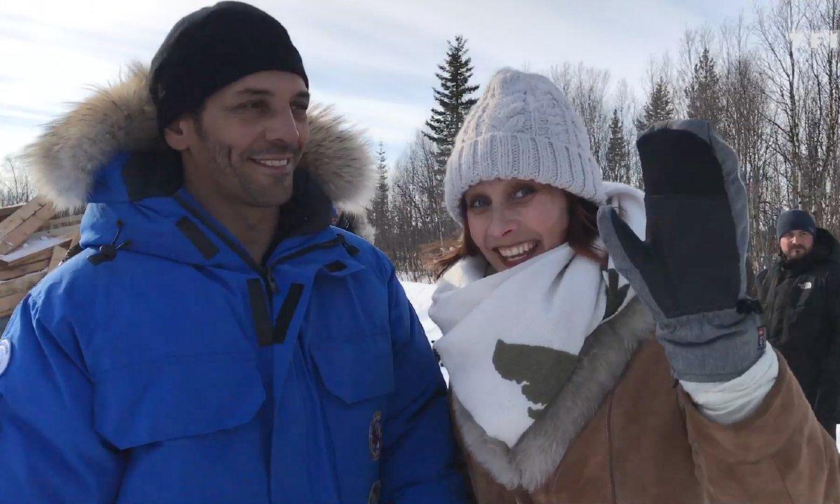 Bienvenue sur le tournage de Coup de foudre à Noël avec Julie De Bona et Tomer Sisley !