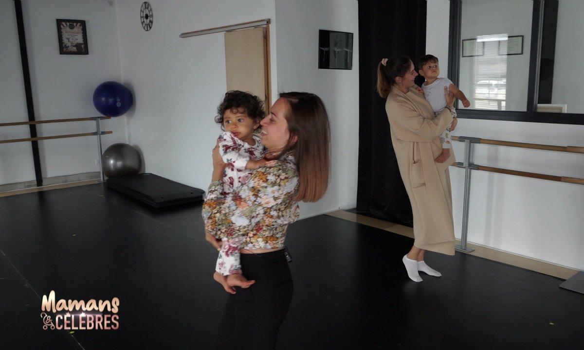 Cours d'éveil musical pour Sway, Juliann et leurs mamans