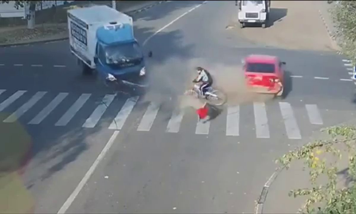 Insolite : Ce cycliste russe est le plus chanceux du monde !