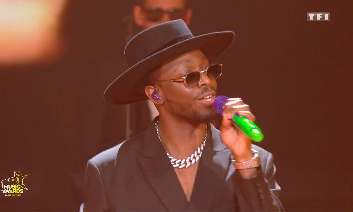 Dadju « Reine » « Bobo Au Cœur » medley.. - NRJ Music Awards 2020