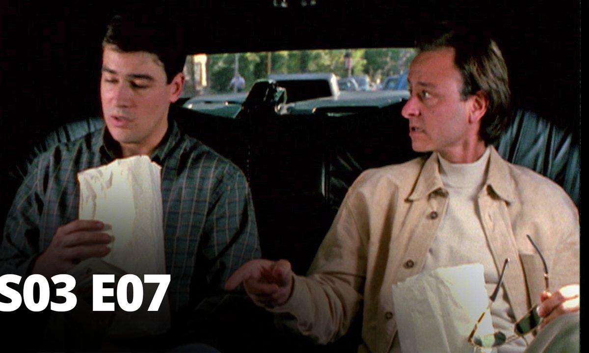 Demain à la une - S03 E07 - Chic, revoilà Chuck !