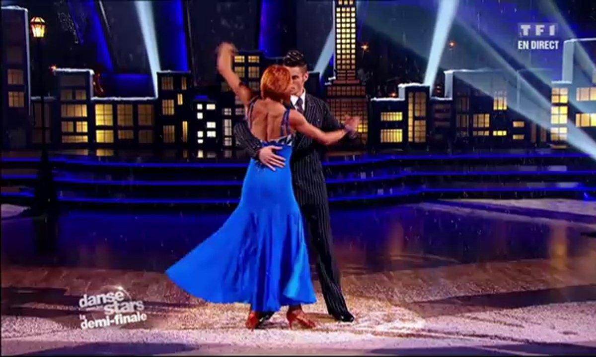 Baptiste Giabiconi et Fauve Hautot dansent un fox-trot sur Strangers in the Night (Franck Sinatra)