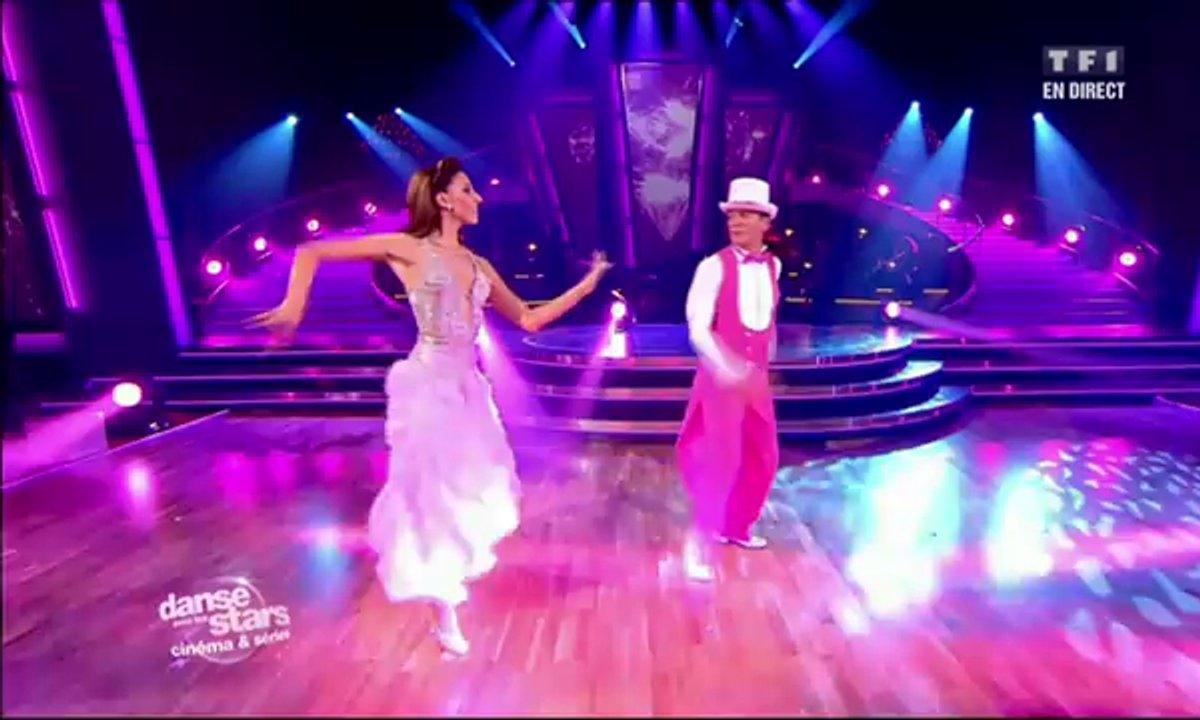 Francis Lalanne et Silvia Notargiacomo dansent un fox-trot sur La Panthère rose (Henry Mancini)