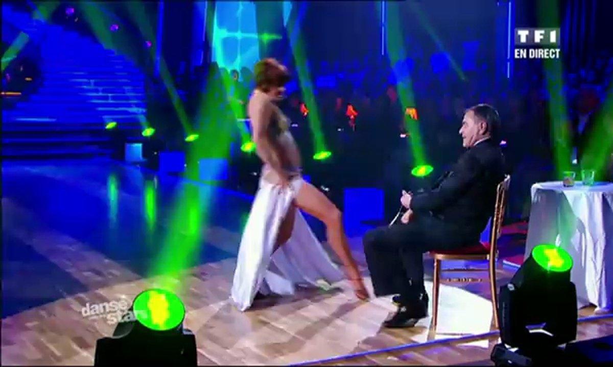 Jean-Marie Bigard et Fauve Hautot dansent un paso doble sur le thème de James Bond