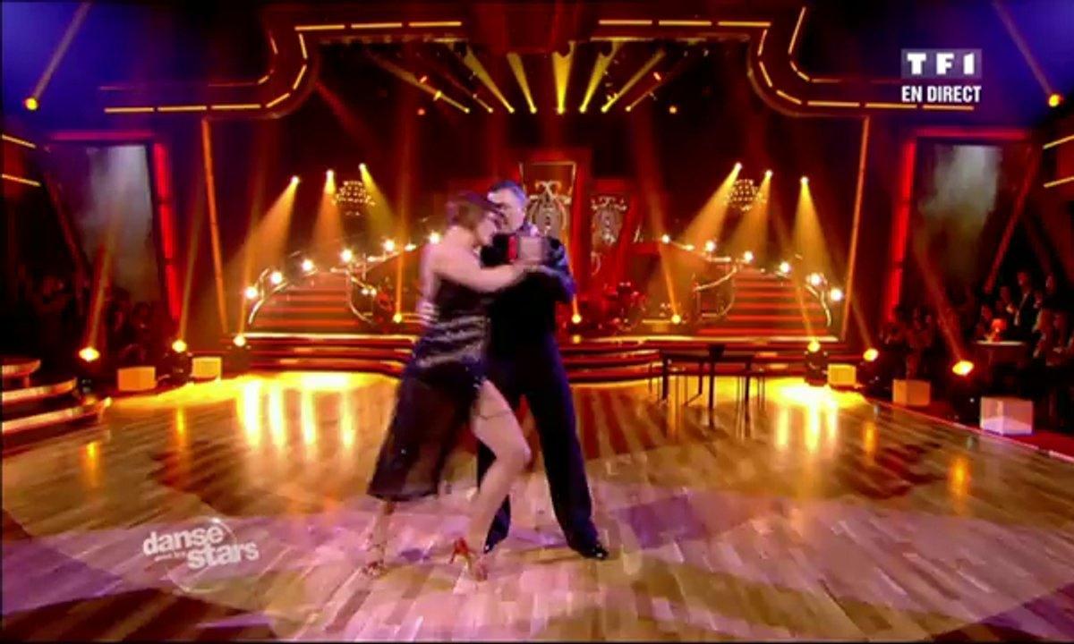 Jean-Marie Bigard et Fauve Hautot dansent un tango sur Por una cabeza (Carlos Gardel)