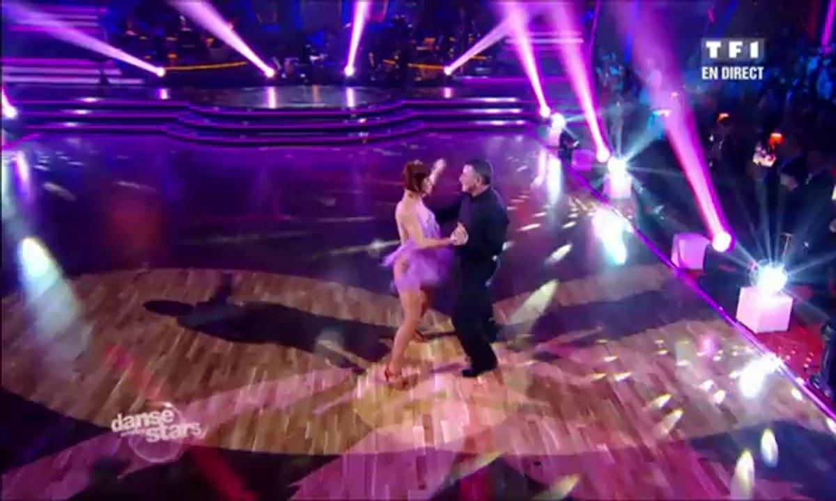 Jean-Marie Bigard et Fauve Hautot dansent une rumba sur The Time of My Life (Dirty Dancing)