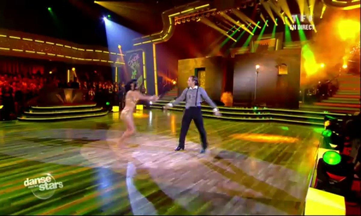 Philippe Candeloro et Candice Pascal dansent un cha-cha-cha sur Eso es el amor (Dario Moreno)