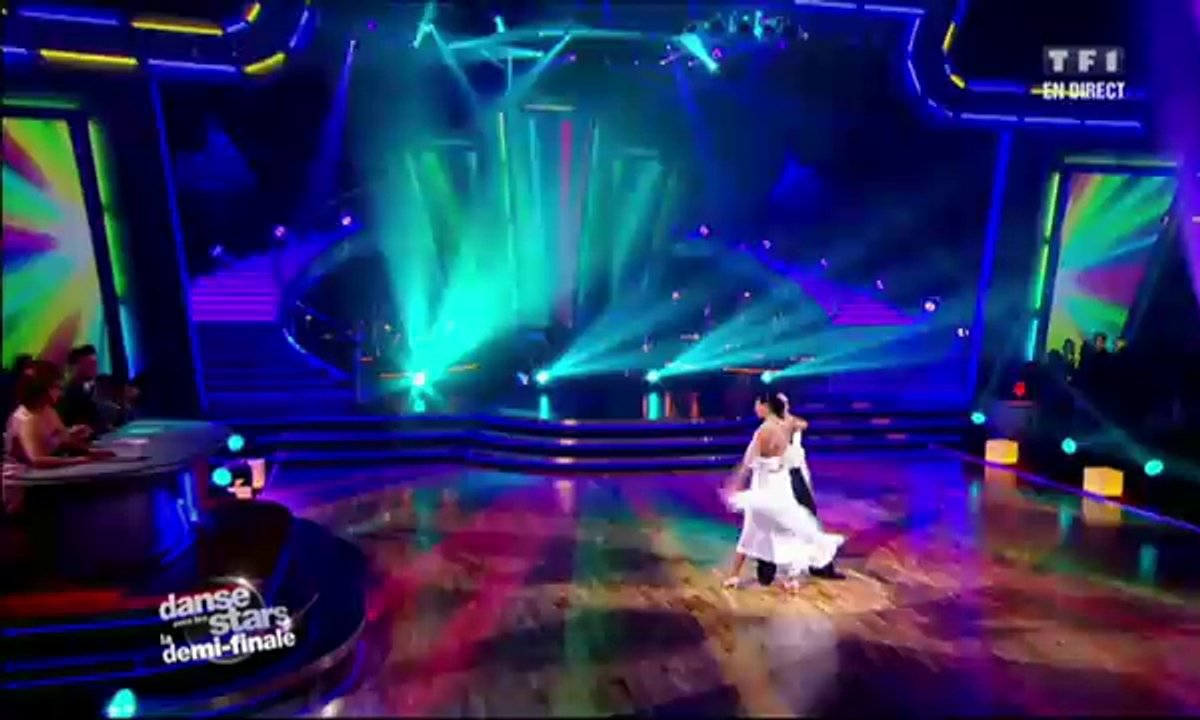 Philippe Candeloro et Candice Pascal dansent un quickstep sur I'm So Excited (The Pointer Sisters)