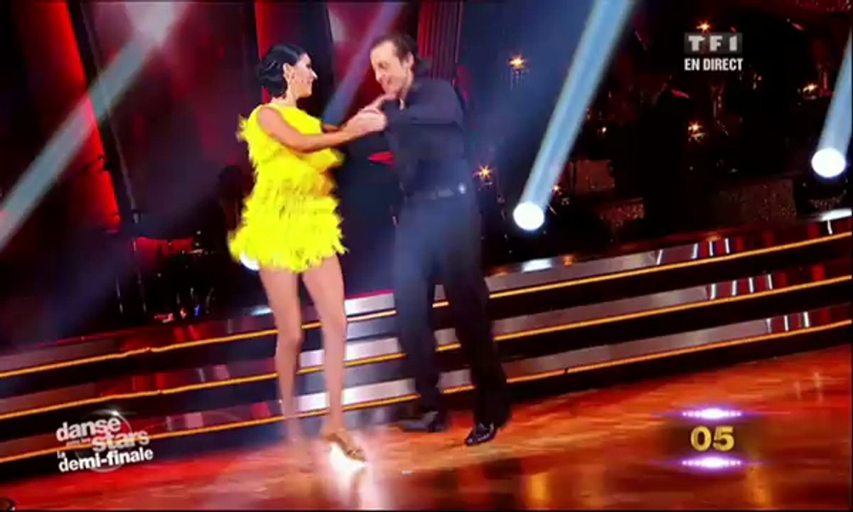 Philippe Candeloro/Candice Pascal et Sheila/Julien Brugel dansent un quickstep sur Puttin' On The Ritz (Fred Astaire)