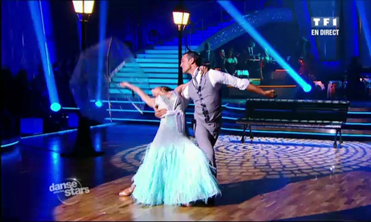 Sofia Essaïdi et Maxime Dereymez dansent un fox-trot sur Singin' in the Rain