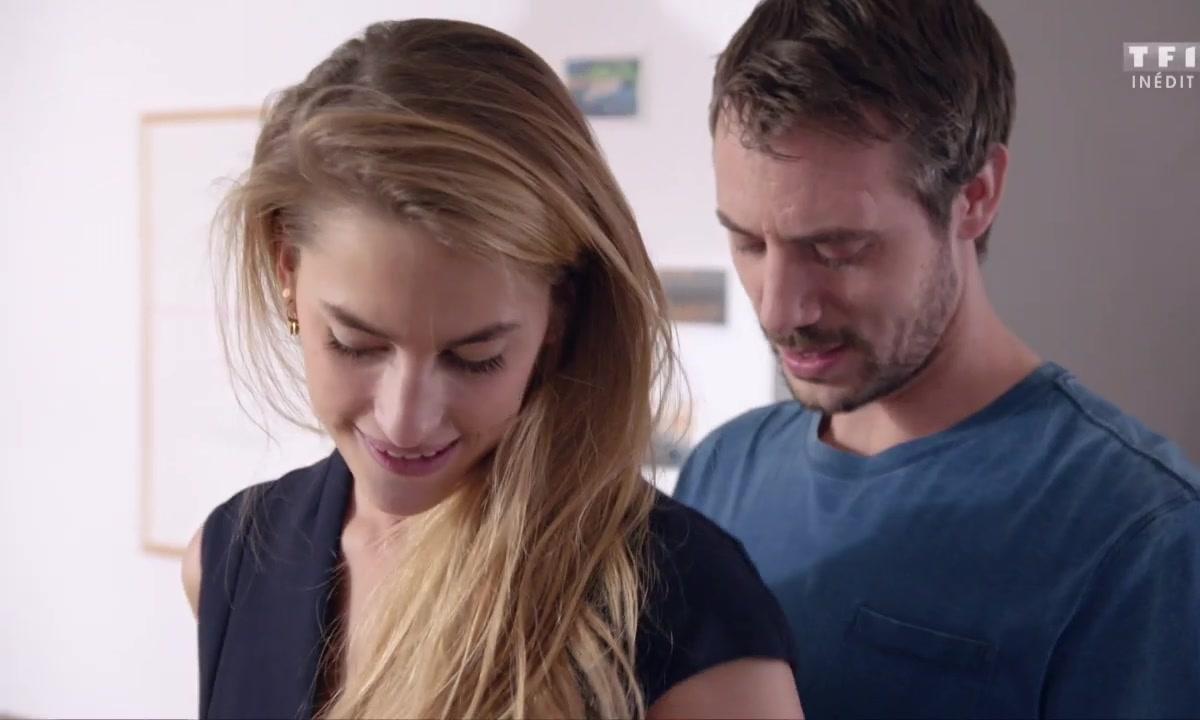 MOMENT HOT - Victoire : « Hmm, c'est toi mon sextoy... » 🔥😱