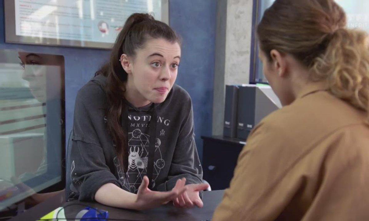 Sara dénonce son père à la police (épisode 218)