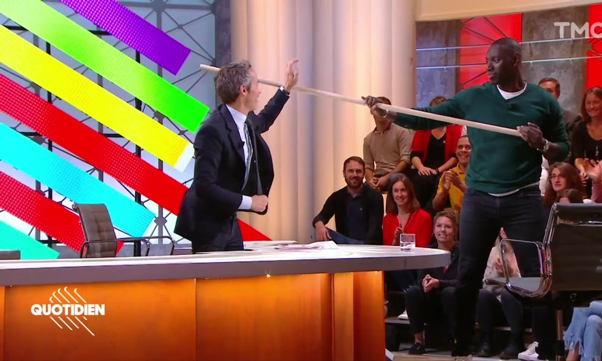 La démo de combat de bâton d'Omar Sy et Yann Barthès