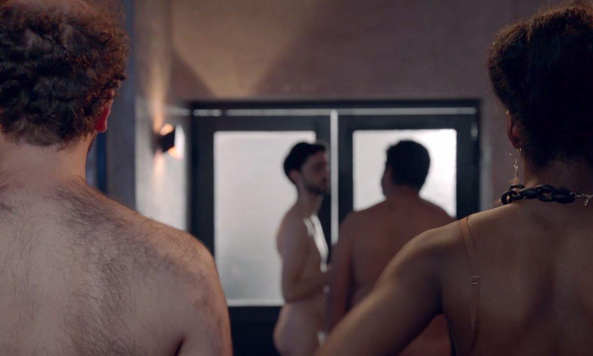 Ce soir dans l'épisode 109, Gwen et Tristan se dénudent